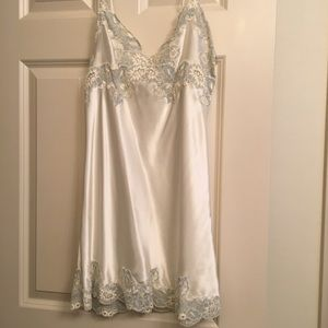 Victoria's Secret Ivory & Blue Bridal Chemise